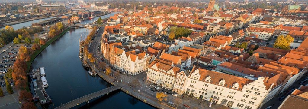 MUK Lübeck, die Kongresshalle von oben
